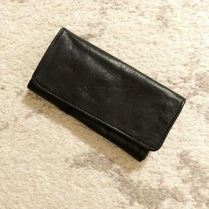 Classic vintage genuine leather sunglasses case